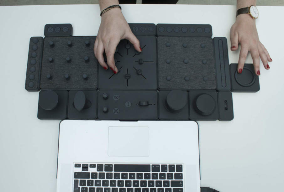 Student creates physical interface for 3D modelling: TAC.TILES